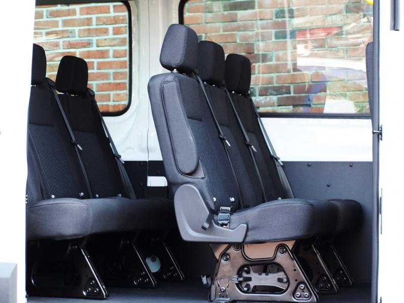 9 sitzer bus gro ford transit comet auto handel und vermietungs gmbh. Black Bedroom Furniture Sets. Home Design Ideas