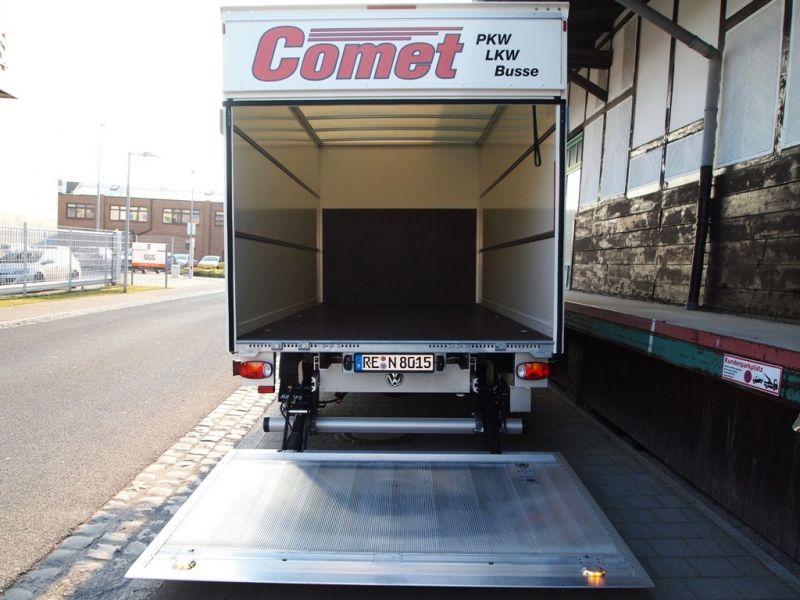 Autovermietung_Comet_VW_Crafter35_Koffer_3-5t-07.JPG